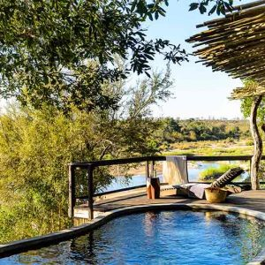 A guest suite private plunge pool at Singita Boulders