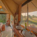 Encounter Mara bedroom bathroom