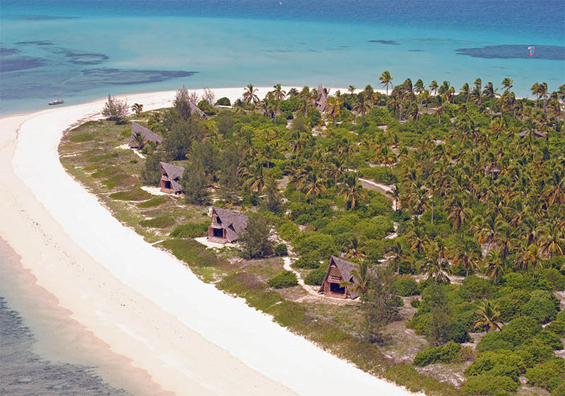 Bandas on Fanjove island from the air