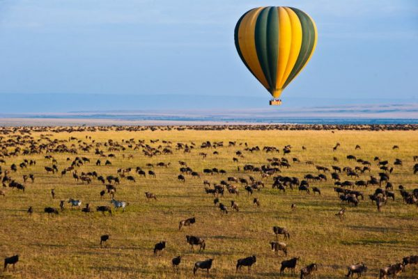 Hot air baloon over the Mara game reserve